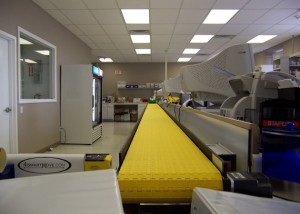 Long-Line-Pharmacy conveyor for order fulfillment