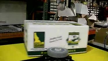 39) 90° Turn Moving 50lb Boxes