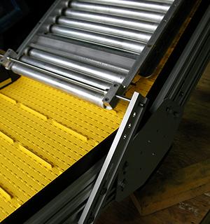 detachable conveyor flights