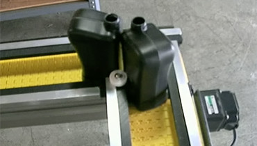 257) 90 degree turn bottle conveyor lane guides