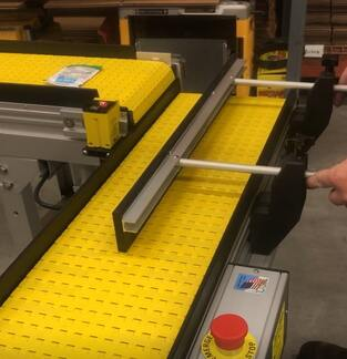 adjustable guide bracket shingling counting indexing conveyor